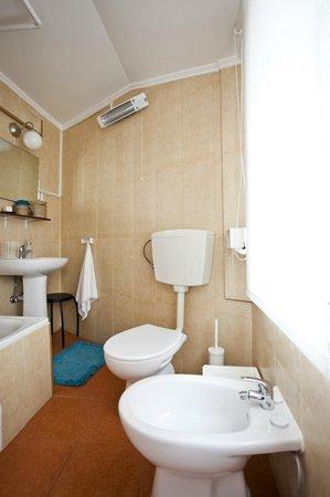 Apartamento Mouraria Guesthouse : Bathroom 1