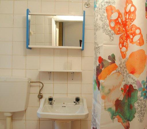 Apartamento Mouraria Guesthouse : bathroom 2