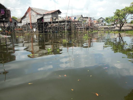 Kompong Phluk: Stilted houses