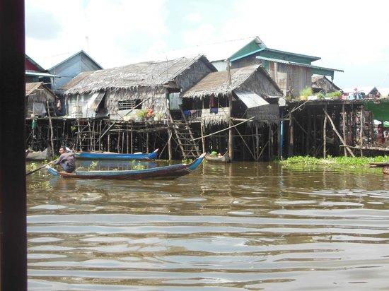 Kompong Phluk: Village scene
