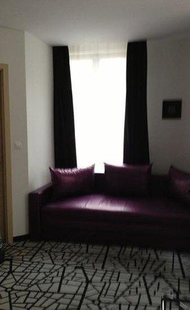 Cosmo City Hotel:                   espace cosy