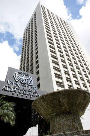 Fachada del Hotel Venetur Alba Caracas