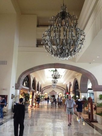 CasaMagna Marriott Cancun Resort:                   lobby