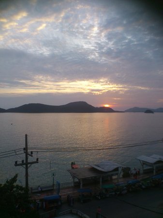 Kantary Bay, Phuket:                                                       The sunset from the roof top pool