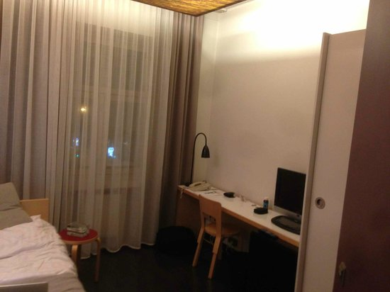 Hotel Helka:                   Single room