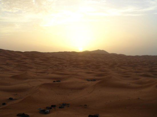 Nasser Palace Hotel & Bivouacs:                   Out in the desert