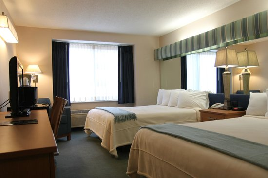 Brentwood Inn and Suites: Double Queen Room