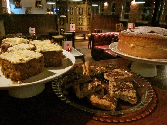 Picchu Tapas: Homemade Cakes