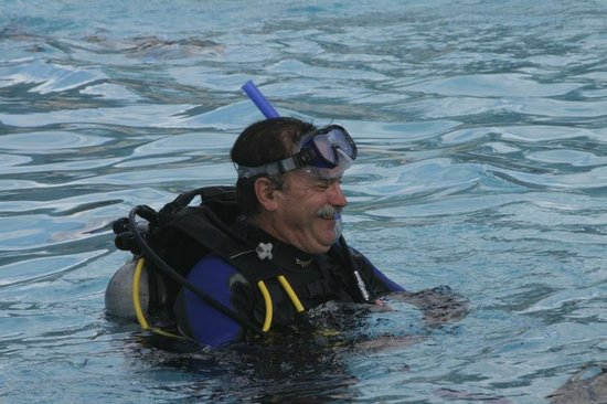 Allegro Cozumel:                                     learning to dive