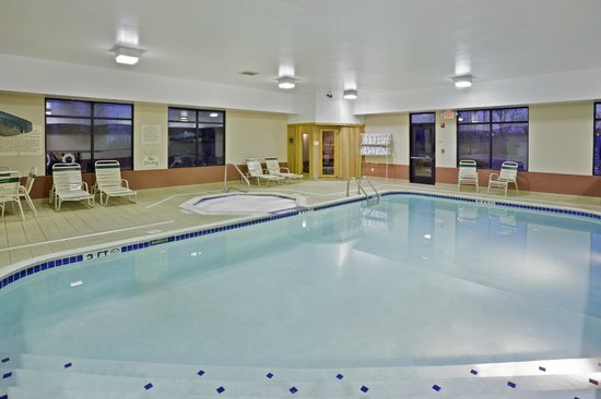 Hampton Inn Cleveland Airport-Tiedeman Rd: Our Pool