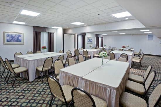 Hampton Inn Cleveland Airport-Tiedeman Rd: Have your next meeting with us