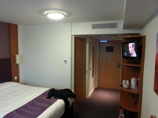 Premier Inn Widnes Hotel:                   Bedroom 117