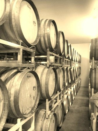 Cave Ridge Vineyard: barrels