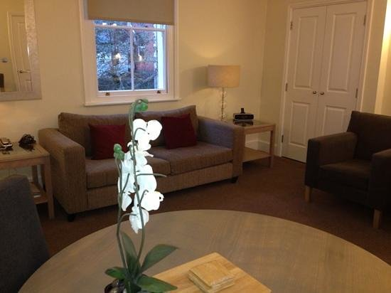 SACO Cardiff - Cathedral Road:                   Lounge ....