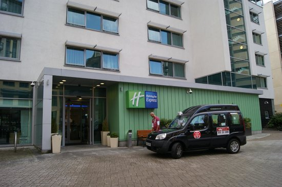 Holiday Inn Express Newcastle City Centre : Outside