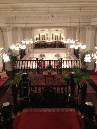 Raffles Hotel Singapore:                   Gorgeous Lobby