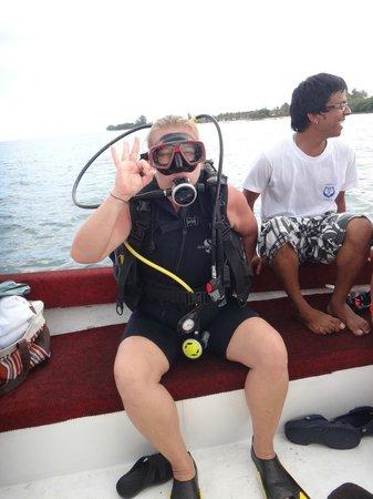 Tamarin OceanPro Divingcenter:                                                       moi