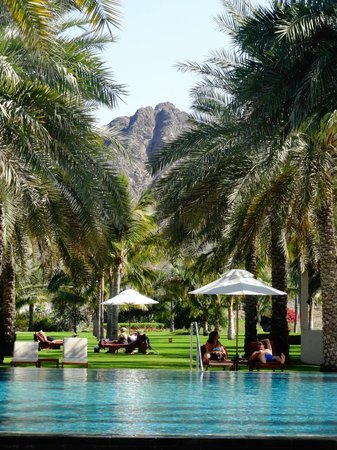 Al Bustan Palace, A Ritz-Carlton Hotel:                   Pool area