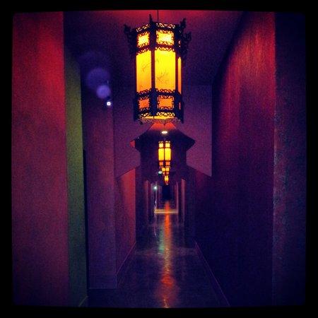 Shanghai Mansion Bangkok:                   corridoi