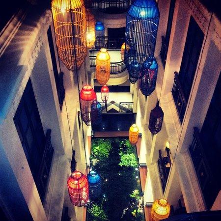 Shanghai Mansion Bangkok:                   veduta dall'alto