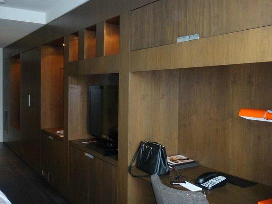 Thompson Toronto - A Thompson Hotel:                                     Room                                  
