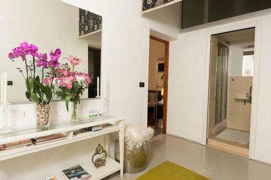 Frank's House: Hallway