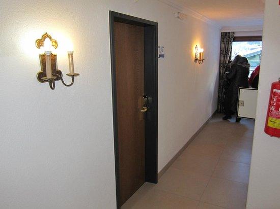 Hotel Stefan:                   corridor