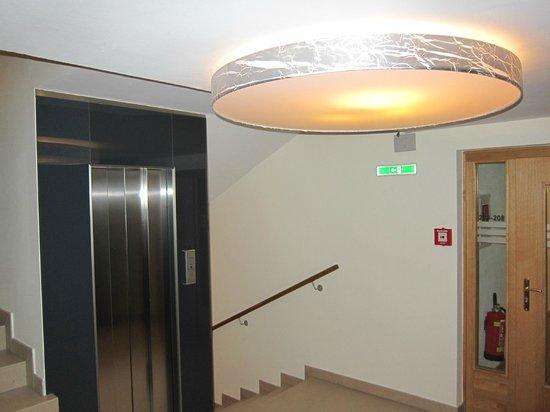 Hotel Stefan:                   Lift hall