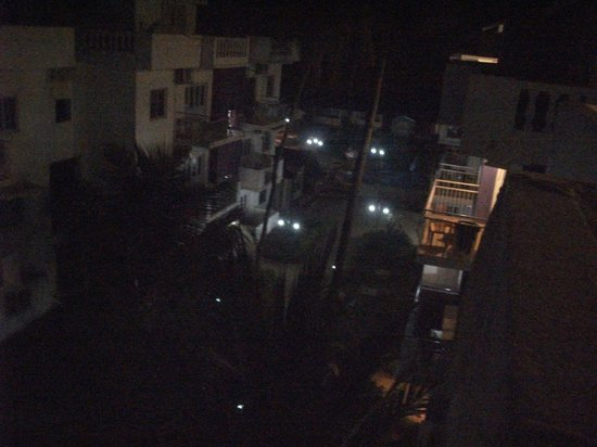 Resort Village Royale:                   hotel at night