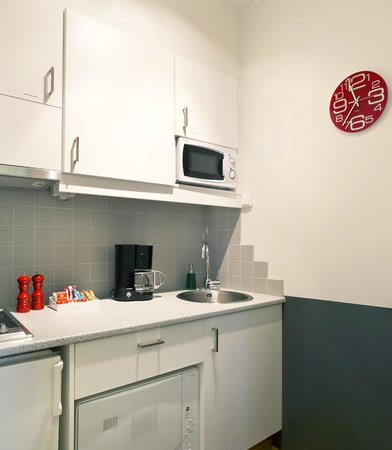Castle House Luxury Apartments: Apt 30 kitchen