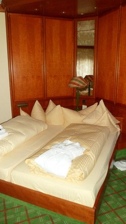 Hotel Engel Obertal :                   Chambre suite