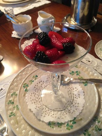 Shangarry Bed and Breakfast:                   Delicious Berry Medley with Lime Yogurt