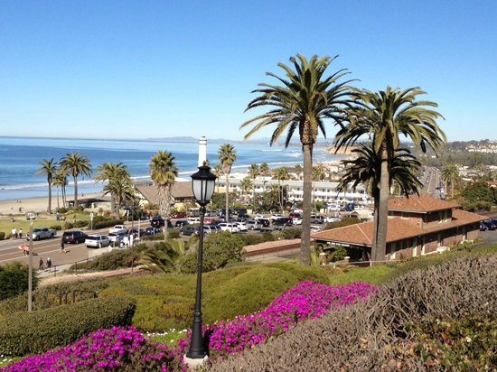 L'Auberge Del Mar:                   Pretty view up the coast