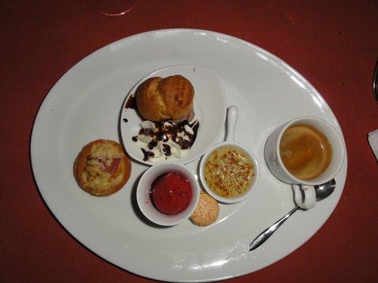 Le Belvédère Restaurant Gastronomique :                   Dinner time!
