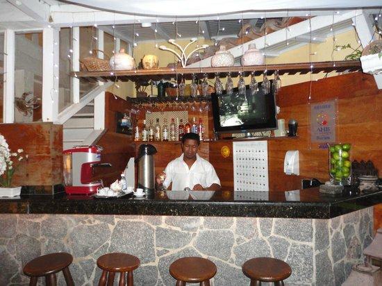 Auberge de la Langouste:                                     Barra de tragos y cafetería