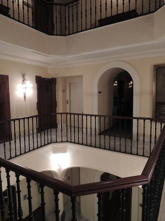 Hotel Montelirio:                   Interior