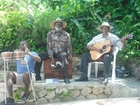 Sandals Royal Plantation:                                     The Mento Band : Lunchtime Entertainment