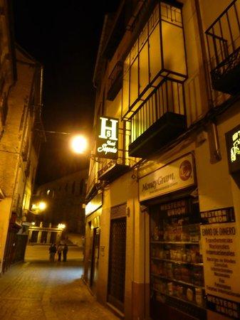 Hostal Segovia:                                     calle