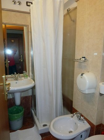 Hotel Giuliana:                   Bathroom