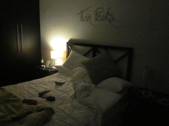 Keren's Vine: Room