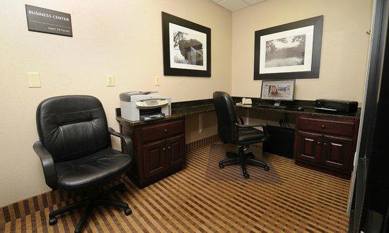 Hampton Inn Morganton: Business Center
