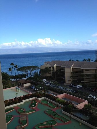Kaanapali Beach Hotel:                   View of rooftop