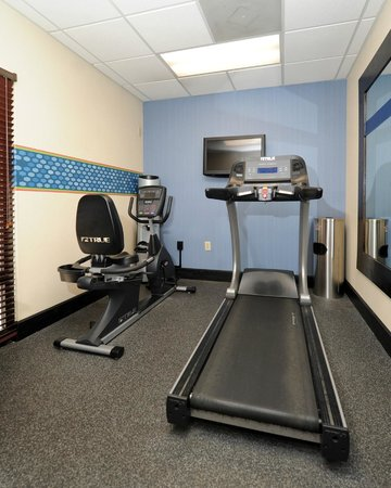 Hampton Inn Morganton: Fitness Center