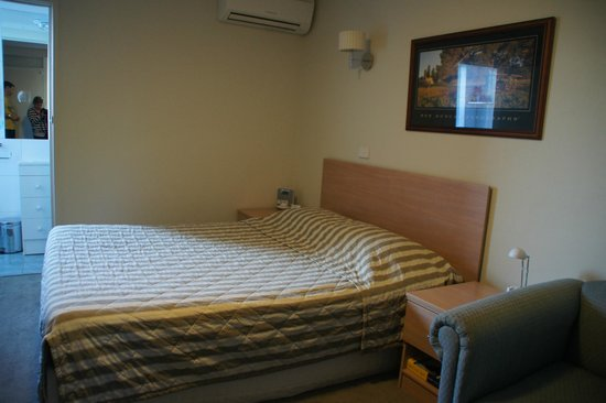 bett photo de tall trees canberra hotel canberra. Black Bedroom Furniture Sets. Home Design Ideas
