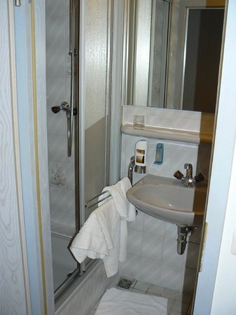 Hotel-Pension Wittelsbach:                   Room 34