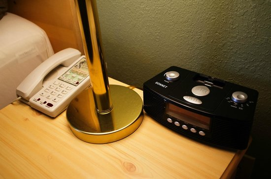 Anvil Motel: Ipod Docking Station