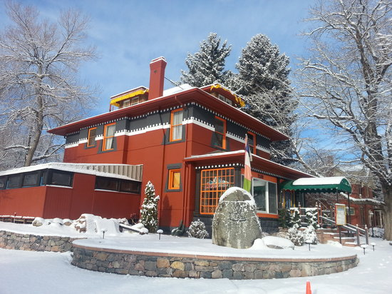 Sherpa House Restaurant & Cultural Center: Exterior of Sherpa House with light snow on the ground