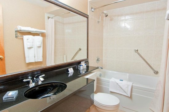 BEST WESTERN Chelsea Inn: Our clean, modern and spacious bathrooms