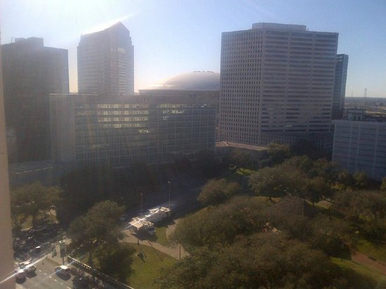 Holiday Inn Downtown Superdome:                                     Day Balcony View from room - 17th floor facing Loyola