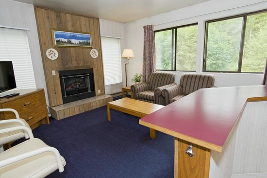 Sequim Bay Lodge: Jacuzzi Suite